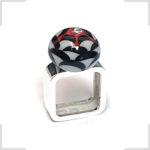 Carrousel-argent-ecailles-rouge-noir-gris